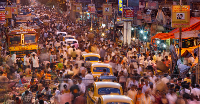 india-crowded-streets-790
